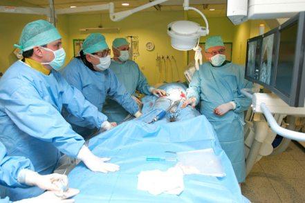 دور عظيم في مساعدة الجراحين على عمل جراحات أكثر دقه