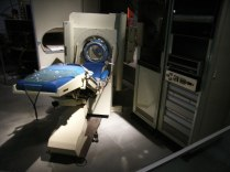 أول جهاز أشعة مقطعية