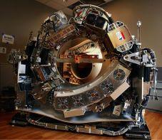 تعقيد هندسة ومكونات جهاز الأشعة المقطعية