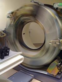 دوران مكونات جهاز الأشعة المقطعية
