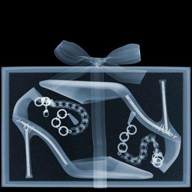 لديك هدية ولا تستطيع فتحها! ... إذا كنت إشعاعي فلا تقلق